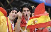 图文:[欧洲杯]西班牙VS瑞典 西班牙球迷助威