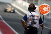 图文:F1西班牙试车第三日 皮奎特远远驶来