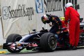 图文:F1西班牙试车第三日 维特尔事故退出