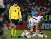 图文:[欧洲杯]土耳其3-2捷克 失落的切赫