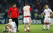 图文:[欧洲杯]土耳其3-2捷克 郁闷的捷克人
