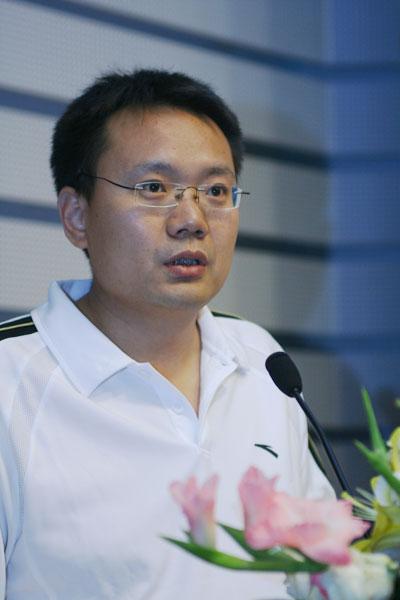 刘洲伟(大赛组委会联席主席,21世纪经济报道创办人、主编)