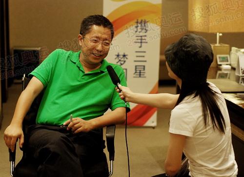 李阳接受官网记者采访