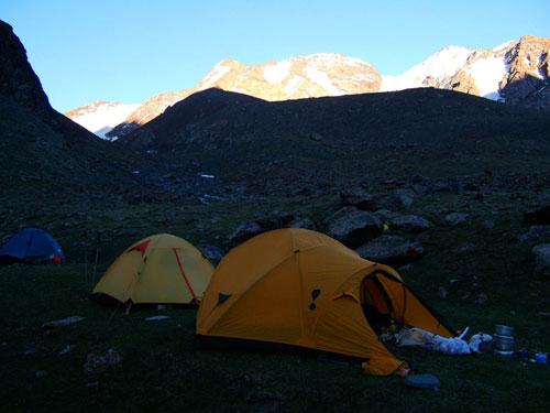 海拔3200米的营地