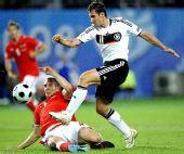 图文:德国1-0胜奥地利 克洛泽PK波加特斯