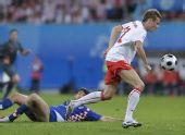 图文:克罗地亚1-0波兰 扎霍斯基带球突破
