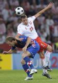 图文:克罗地亚1-0波兰 克科斯卡比赛中争顶