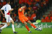 幻灯:荷兰2-0罗马尼亚 范佩西左脚劲射入网