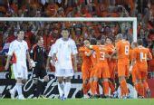 图文:[欧洲杯]荷兰VS罗马尼亚 球员庆祝