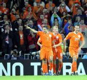 图文:[欧洲杯]荷兰VS罗马尼亚 范佩西庆祝