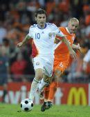 图文:[欧洲杯]荷兰VS罗马尼亚 穆图带球突破
