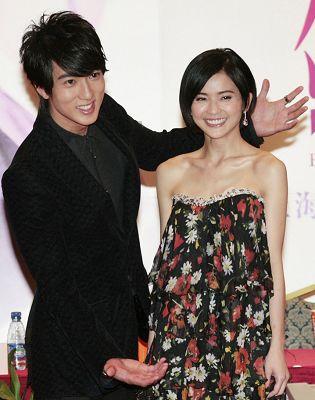 吴尊、蔡卓妍一同到上海宣传新戏《剑蝶》