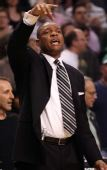 图文:[NBA]湖人VS凯尔特人 里弗斯场边指挥