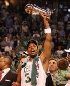 图文:[NBA]真理获总决赛MVP 皮尔斯欢呼