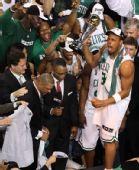 图文:[NBA]真理获总决赛MVP 皮尔斯激动忘形