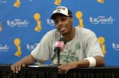 图文:[NBA]凯尔特人夺冠 皮尔斯笑容可掬