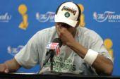 图文:[NBA]凯尔特人夺冠 皮尔斯喜极而泣