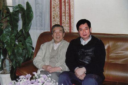 1999年1月作者与唐达成(左)于安定门合影