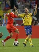 图文:[欧洲杯]俄罗斯2-0瑞典 永贝里申冤