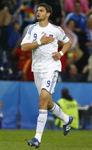 图文:[欧洲杯]西班牙2-1希腊 进球功臣