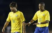 图文:[世预赛]巴西0-0阿根廷 巴西双子星