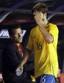 图文:[世预赛]巴西0-0阿根廷 迭戈被换下