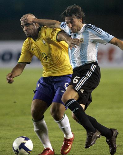 图文:[世预赛]巴西0-0阿根廷 阿德PK海因策