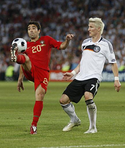图文:[欧洲杯]葡萄牙2-3德国 小猪防守德科