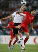 图文:葡萄牙2-3不敌德国 西芒与罗尔夫斯争顶