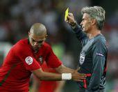 图文:葡萄牙2-3不敌德国 中卫佩佩被出示黄牌