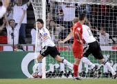 图文:葡萄牙2-3不敌德国 巴拉克头球锁定胜局