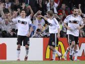 图文:葡萄牙2-3负德国 巴拉克进球与队友祝贺