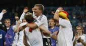 图文:德国3-2胜葡萄牙晋级四强 队员赛后庆祝