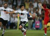 图文:德国3-2葡萄牙晋级4强 巴拉克庆祝进球
