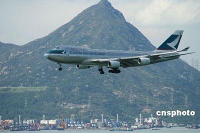 资料图:香港国泰航空公司是香港最大的航空公司,下属于太古集团。 中新社发 htang 摄