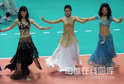 图文:中国女排3 1德国女排