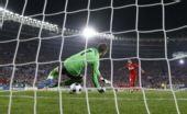 图文:土耳其点球4-2克罗地亚 图兰幸运命中