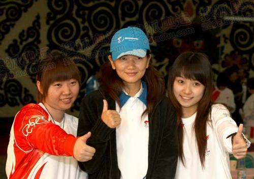 中国名模、拉萨站火炬接力的联想火炬手姜培琳在火炬手大会上