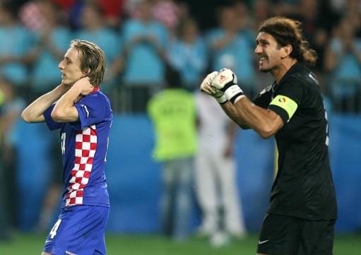 沃尔坎禁赛两场,下场对德国,鲁斯图仍将是土耳其首发门将