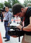 图文:境内外媒体采访拉萨传递 布达拉宫拍摄