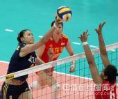 图文:中国女排3-0泰国女排 赵蕊蕊小心吊球