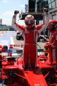图文:[F1]法国大奖赛排位赛 莱科宁振臂庆祝