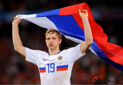 图文:荷兰1-3俄罗斯 帕夫柳琴科庆祝胜利