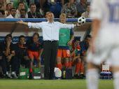 图文:俄罗斯3-1荷兰进四强 巴斯滕在场边观战