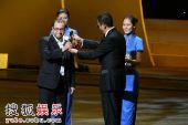 图:上海国际电影节闭幕式王家卫颁发金爵奖