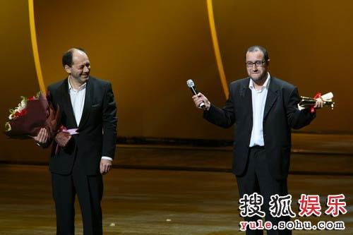 图:上海国际电影《陌生的亲情》获最佳影片奖