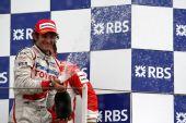 图文:[F1]法国大奖赛正赛 特鲁利喷洒香槟