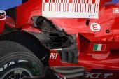 图文:[F1]法国大奖赛正赛 莱科宁受损的赛车