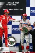 图文:[F1]法国大奖赛正赛 马萨祝贺特鲁利