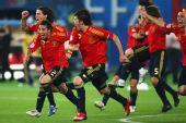 图文:西班牙4-2意大利 西班牙队员疯狂了